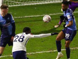 Menang 4-1 Atas Wycombe, Tottenham Hotspur Masuk 16 Besar