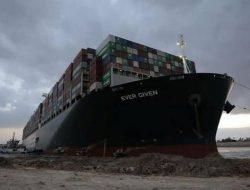 Akhirnya! Terusan Suez Kembali Dibuka