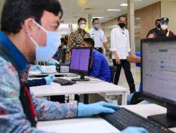 Didaulat Pelabuhan Tersibuk di Indonesia, Jokowi Awasi Pelaksanaan Vaksinasi di Tanjung Priok