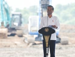 Presiden Jokowi Ikuti Peletakan Batu Pertama Pabrik Industri Baterai Kendaraan Listrik