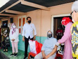 Presiden Jokowi Pastikan Pelaksanaan Vaksinasi Berjalan Lancar
